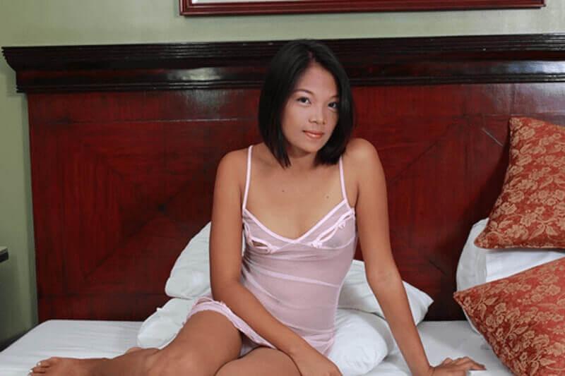 Geiles Thaigirl zeigt sich in sexy Dessous bei einem privaten Ficktreffen