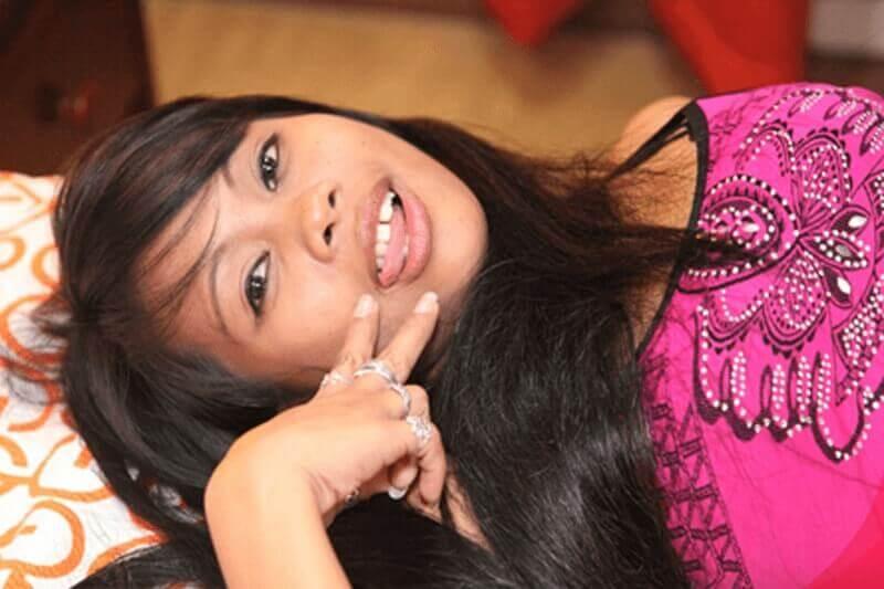 Junges Thai Girls sucht gratis Sex Treffen mit geile Männer