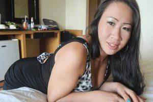 Private Tittensex Treffen mit reife Thai Schlampen