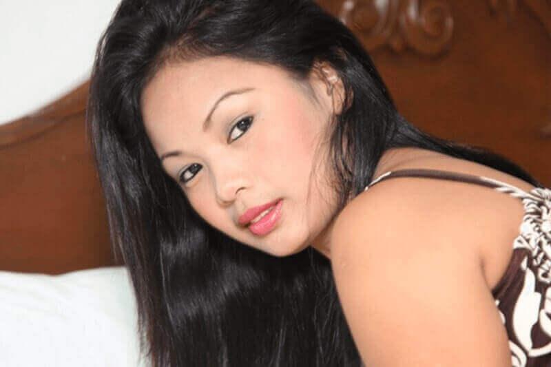 Sexy Thai Frau auf der Suche nach deutsche Männer für erotische Abenteuer